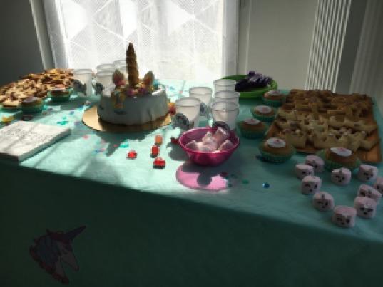 gâteau licorne vue table entière